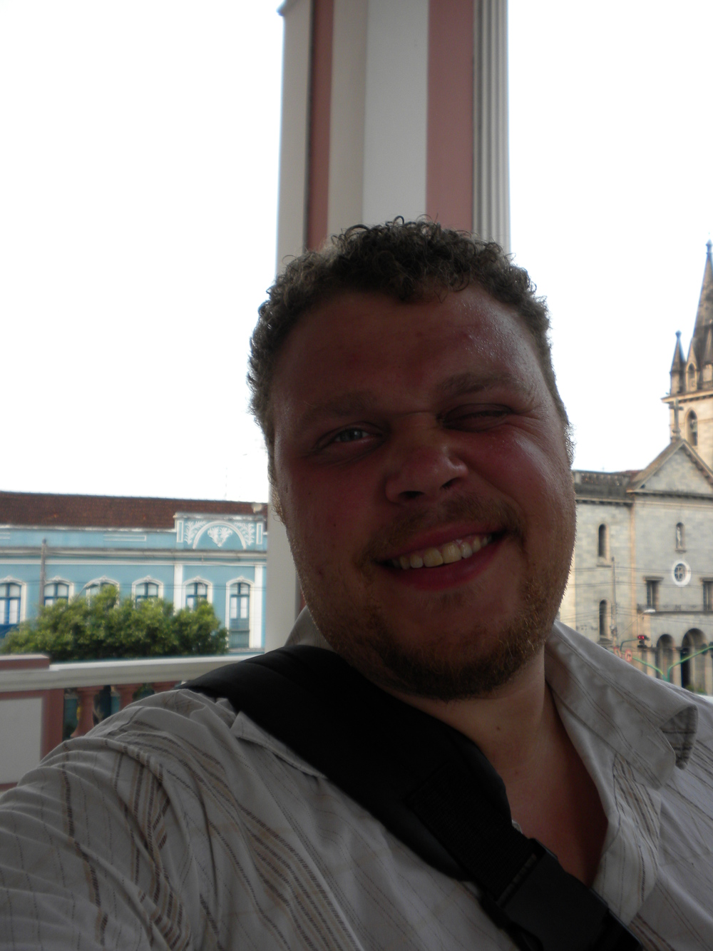 Yep... all my hair is gone! Me in Manaus at the Teatro Amazon with all my hair gone.